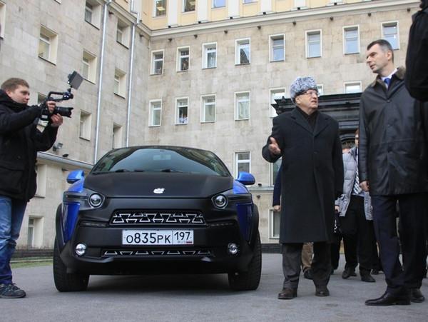 Жириновскому подарили ё-мобиль за 250 000 евро.  фото. картинка