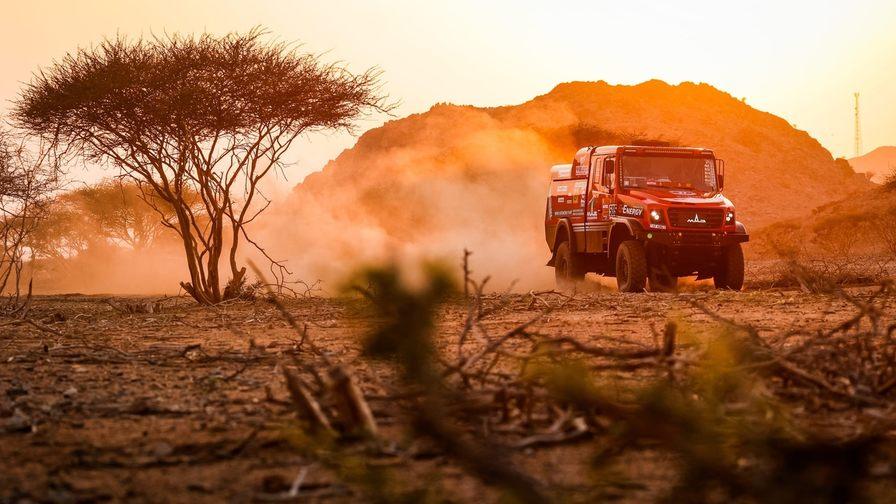 «Дакар 2020» Раллийный капотный МАЗ. фото. Картинка