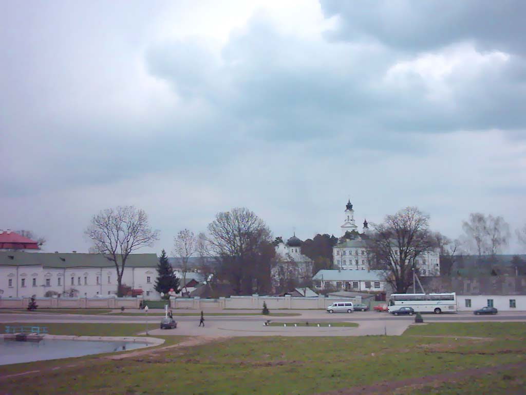 Вид на восточную часть монастыря Жировичи Свято Успенский  Вид на восточную часть монастыря Свято Успенский Жировичский монастырь