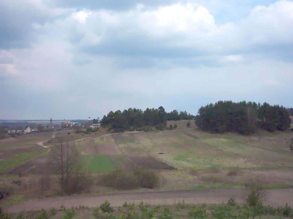 Вид на Жировичи с горы у подножия которой находится Святой  Вид на Жировичи с горы у подножия которой находится Святой источник Свято Успенский