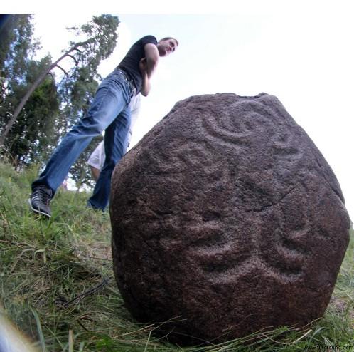 Археологические находки в беларуси двух рублевые юбилейные монеты 2000 цена