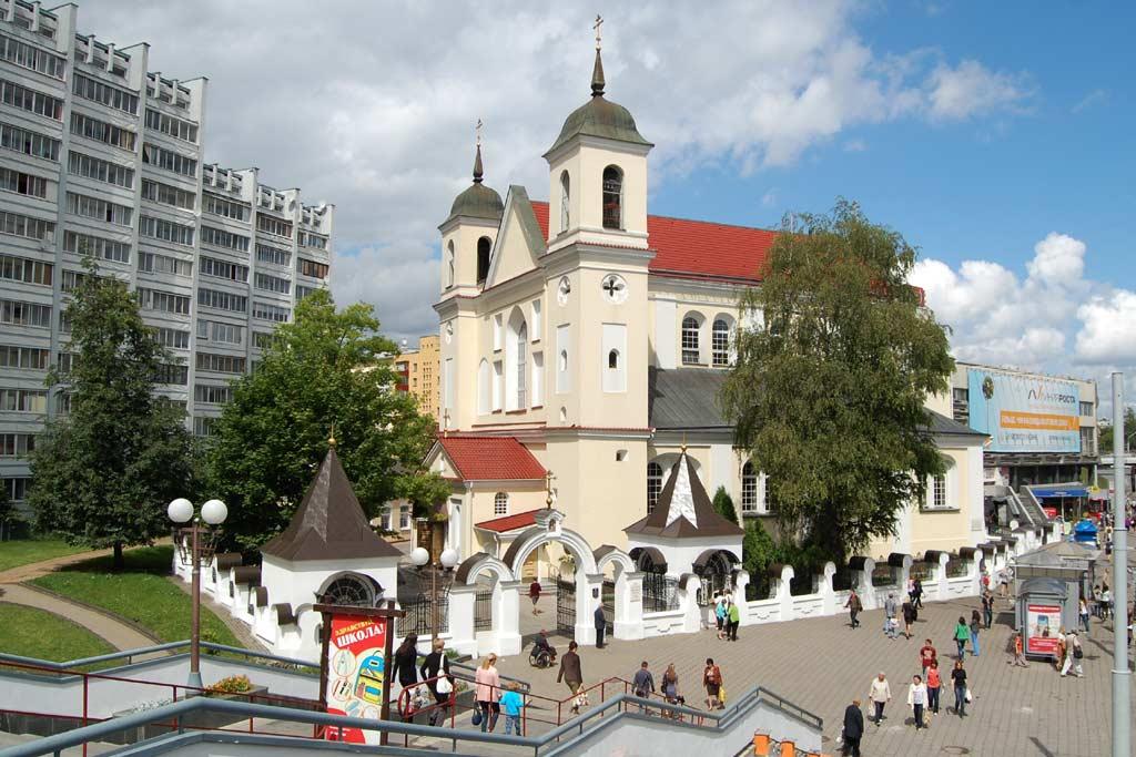 Петропавловская (Екатерининская) церковь — старейшее сохранившееся здание в Минске (1620-е).  Фото. Картинка