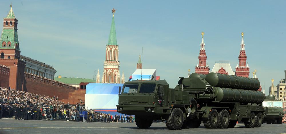 фото. Противоракетный комплекс С-400 нв Красной площади