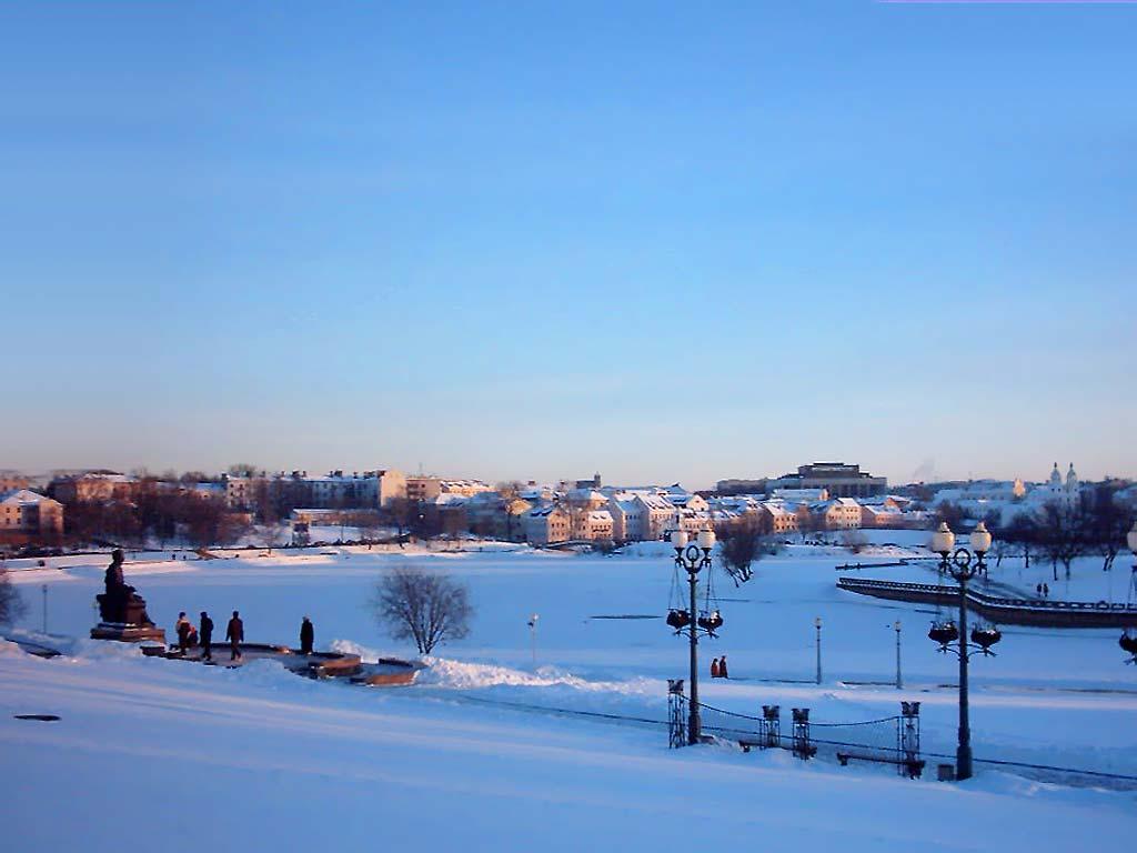 Вечер снежная зима утро в зимнем лесу