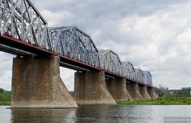 Мосты Новосибирска Мост через Обь Бугринский мост Октябрьский  Комсомольский мост